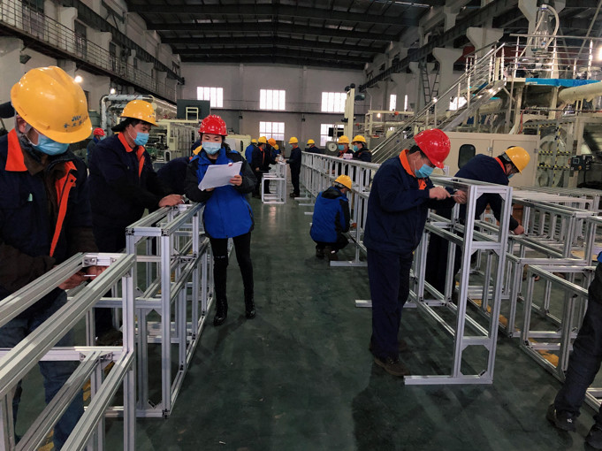 Shouting to stop US orders, Jiangsu female boss quickly made 130 mask production lines to solve the demand of a city